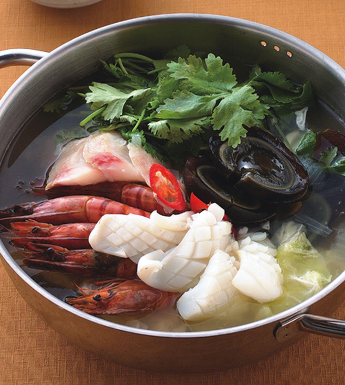 食譜:港式香菜皮蛋鍋