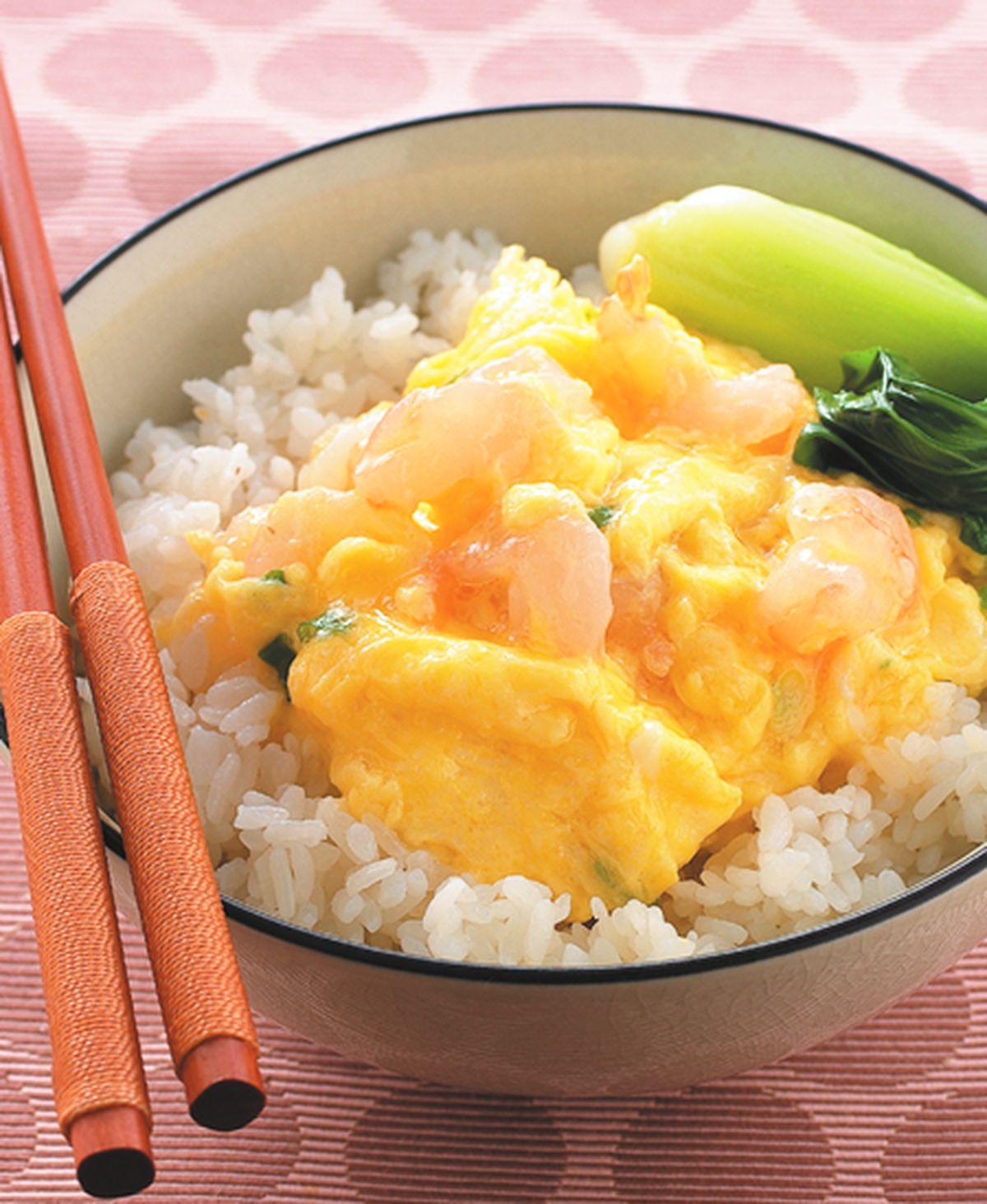 食譜:滑蛋蝦仁蓋飯
