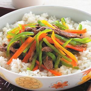 彩椒牛肉蓋飯
