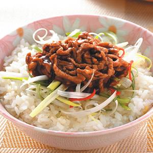 京醬肉絲蓋飯