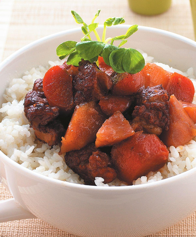食譜:馬鈴薯燉肉蓋飯