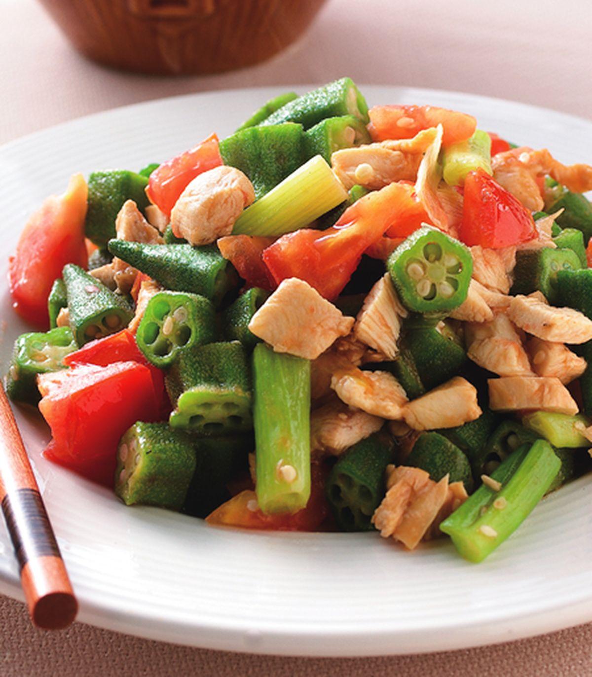 食譜:秋葵蕃茄炒雞丁