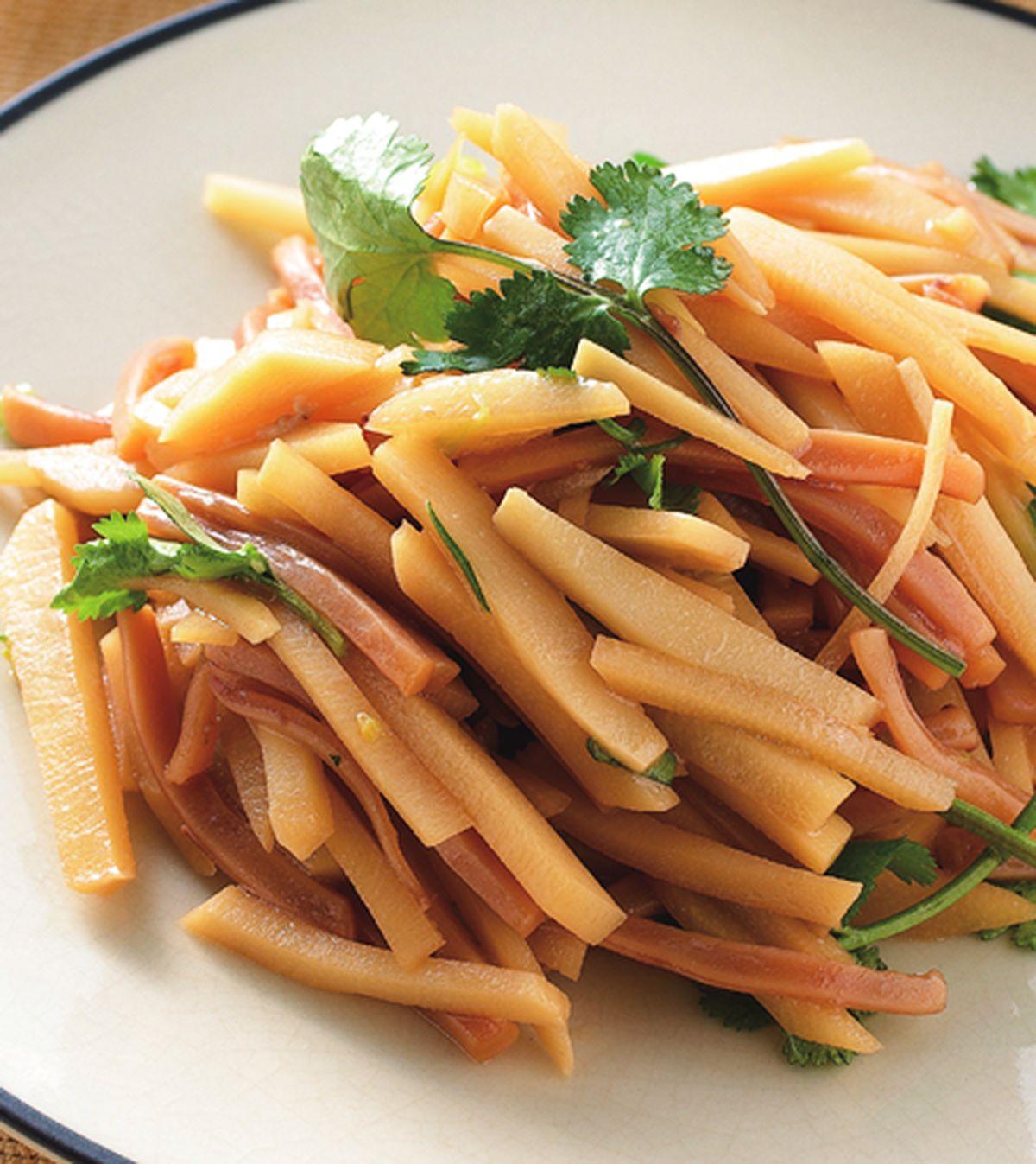 食譜:鮮筍炒魷魚絲