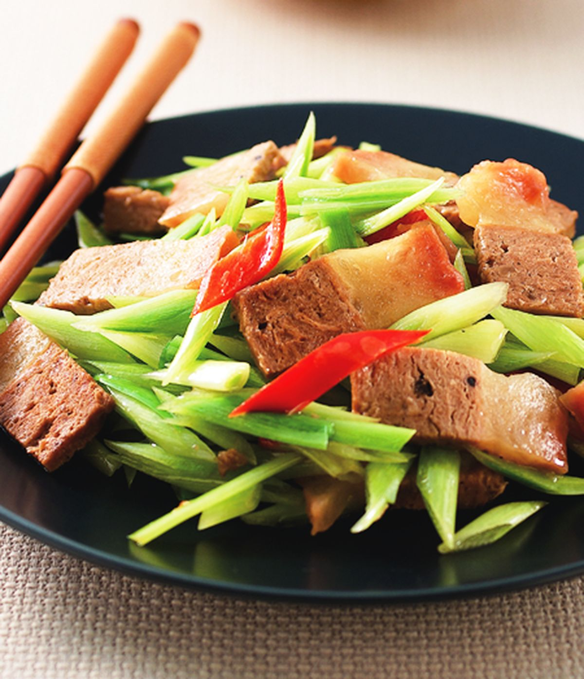 食譜:碧玉筍炒素五花