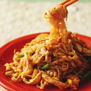 泰式咖哩雞絲炒河粉