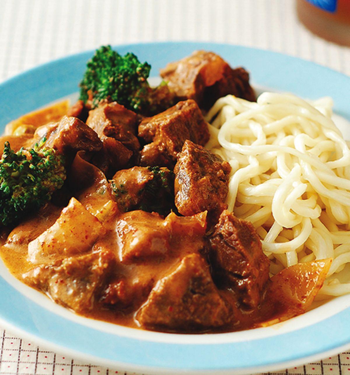食譜:帕能咖哩牛肉麵
