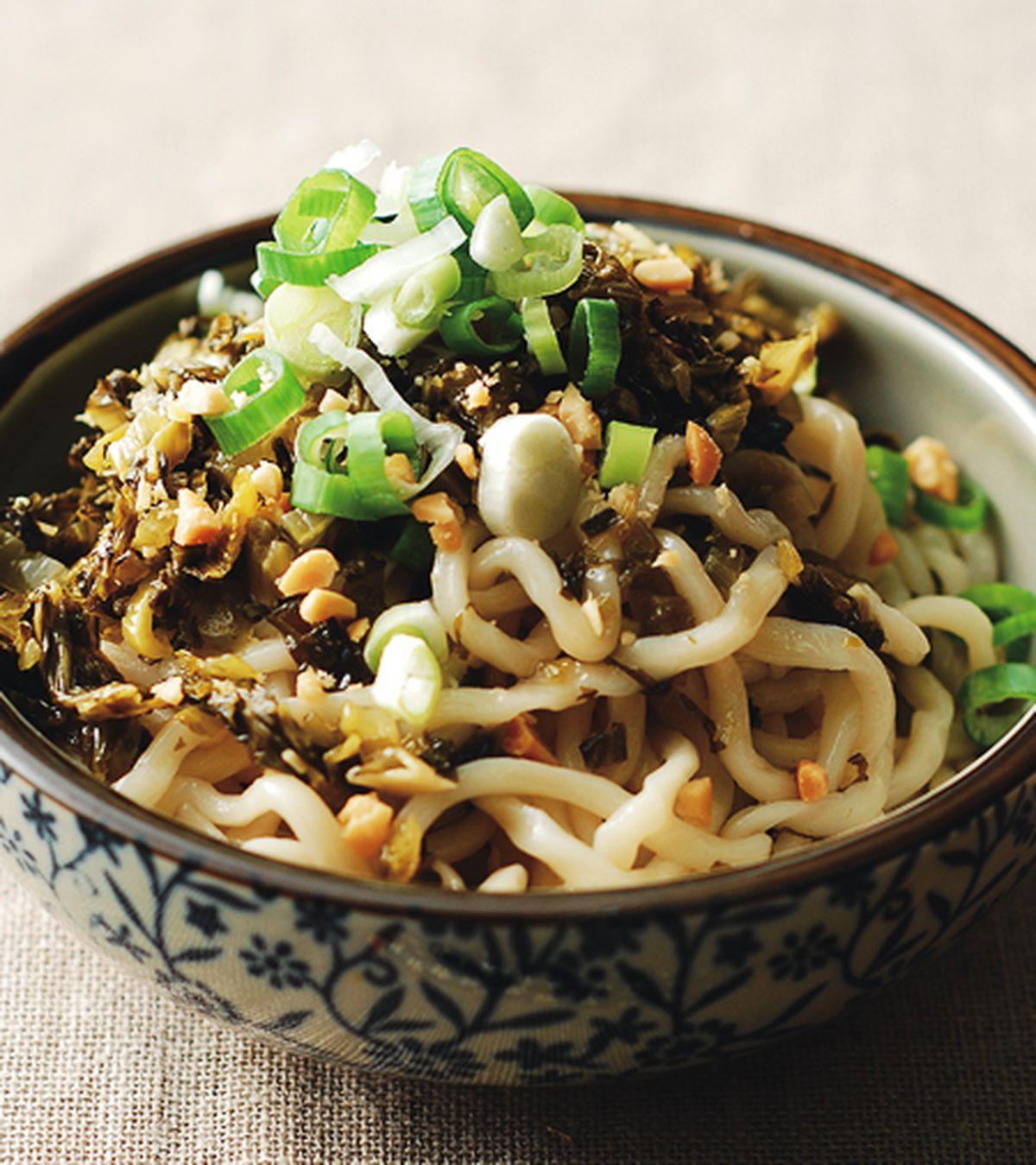 食譜:酸菜拌麵(1)