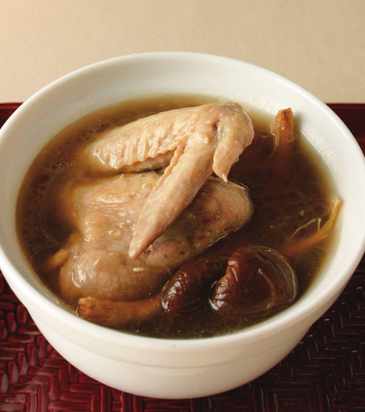 食譜:香菇蔘鬚燉雞翅