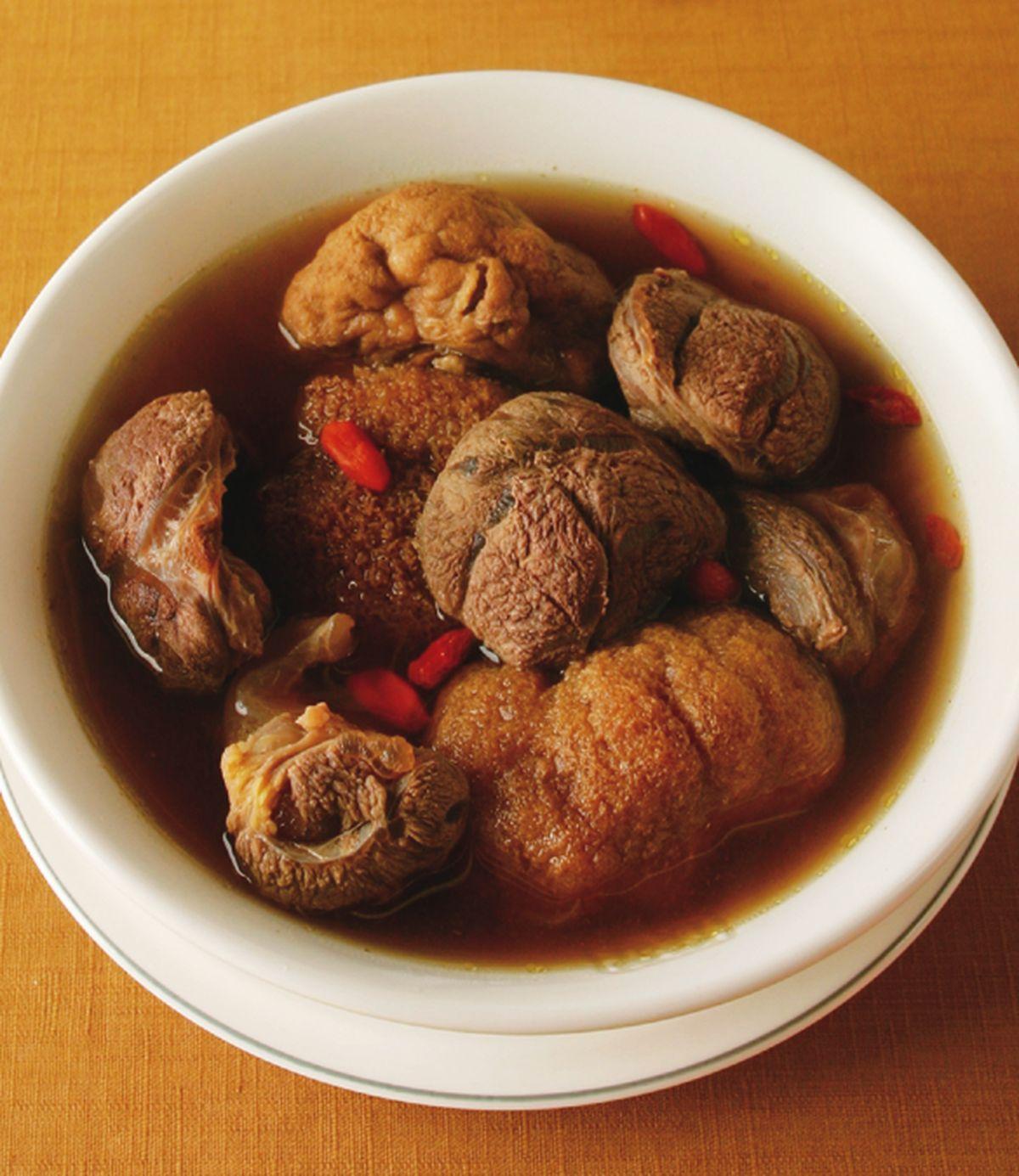 食譜:猴頭菇枸杞燉牛腱