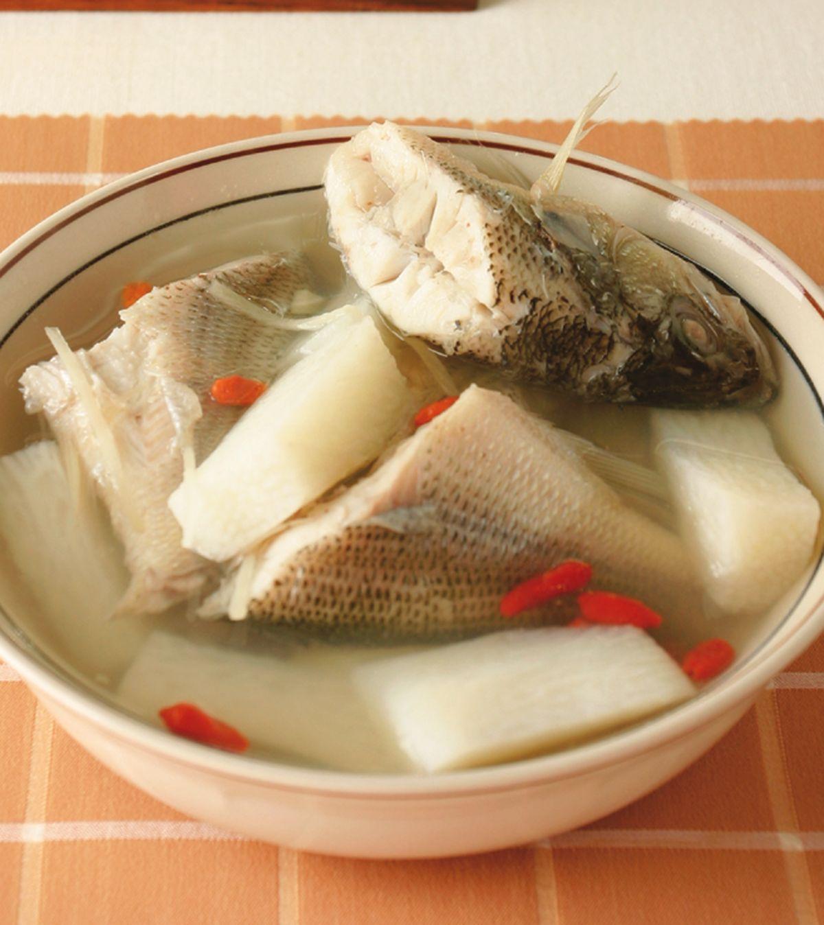 食譜:山藥枸杞鱸魚湯