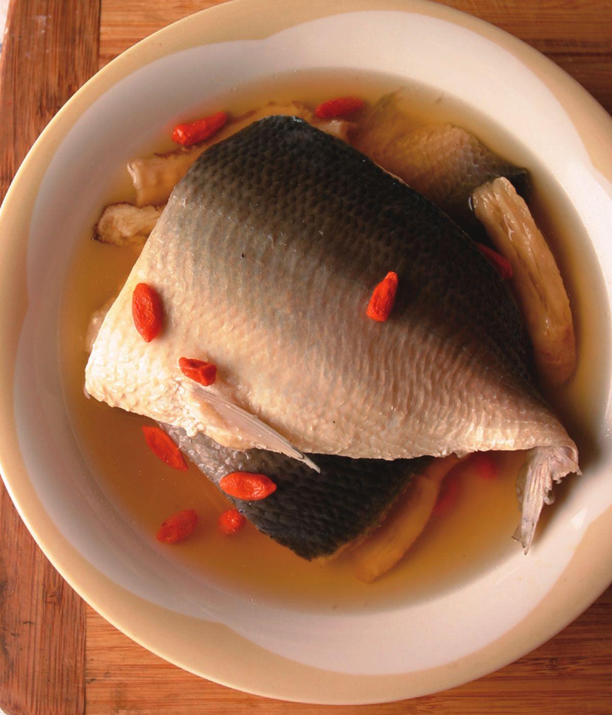 食譜:藥膳虱目魚湯