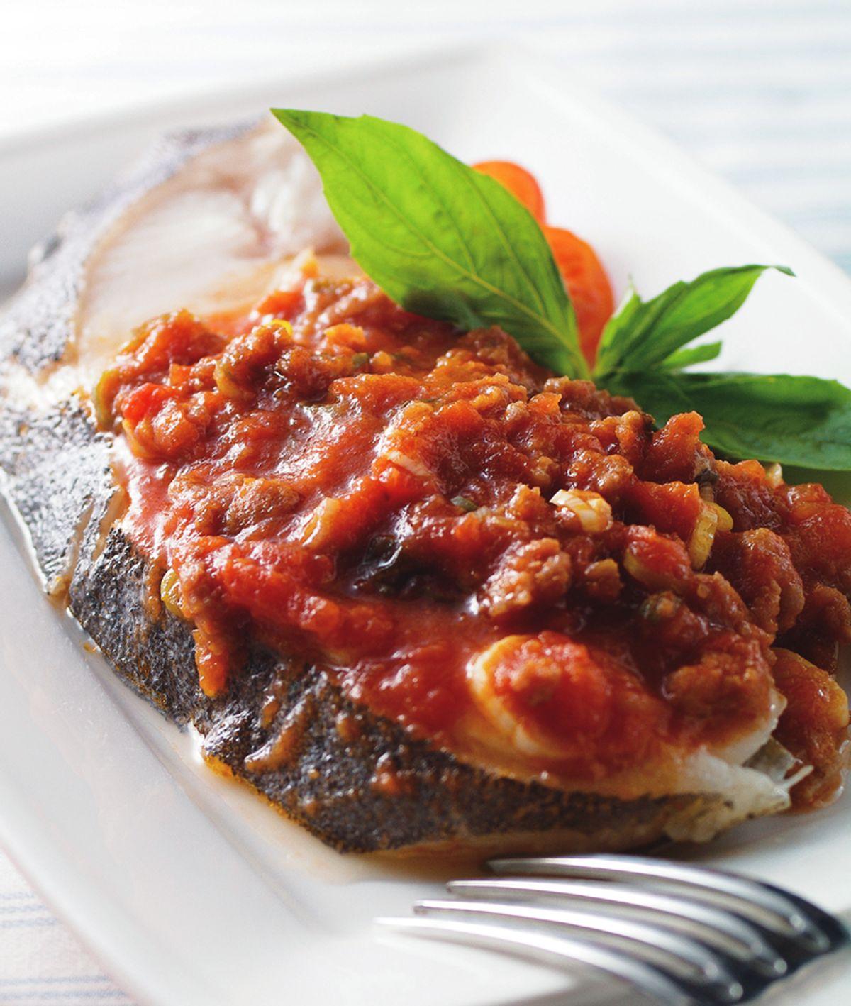 食譜:蕃茄肉醬蒸鱈魚