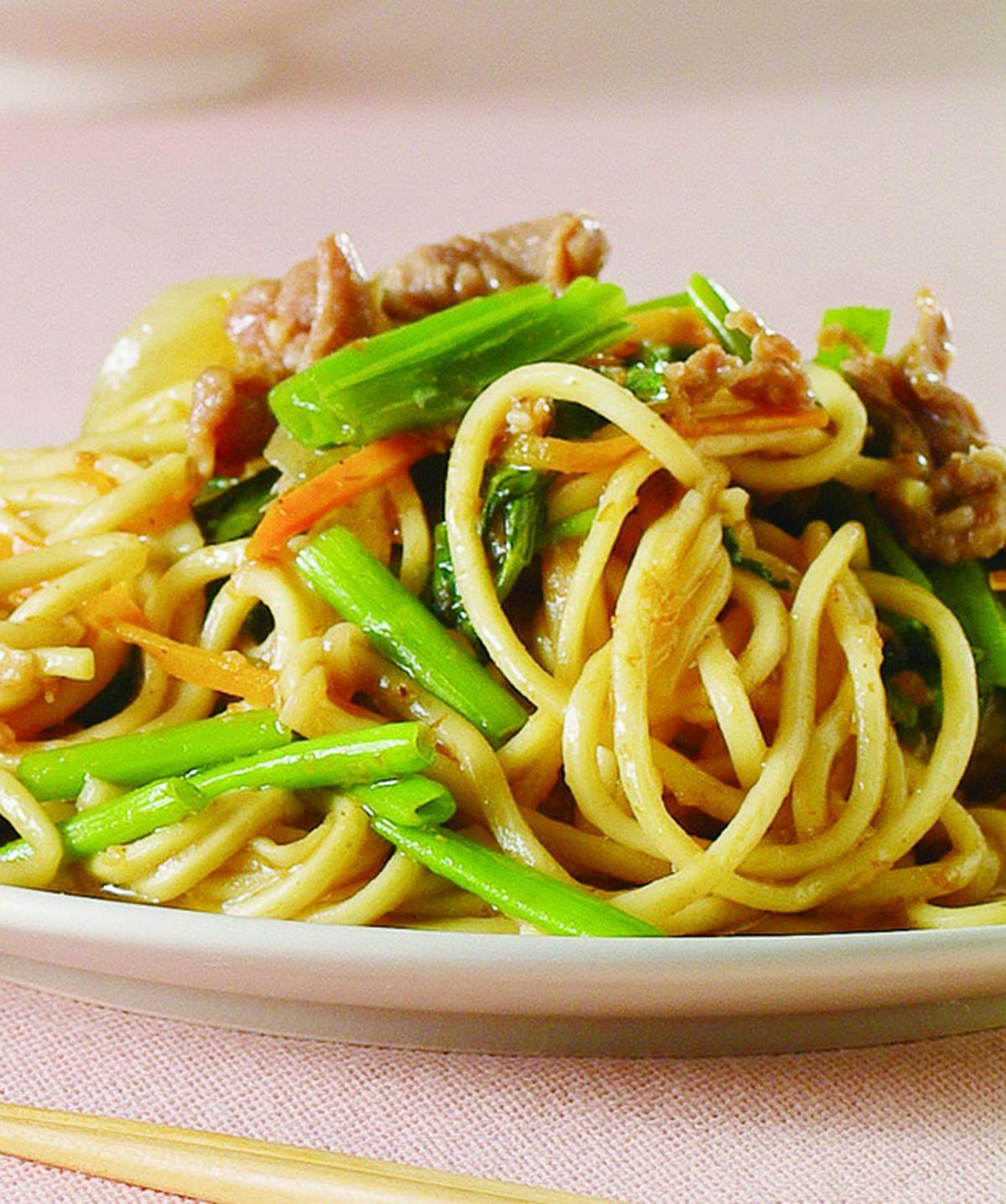 食譜:沙茶羊肉炒麵(1)