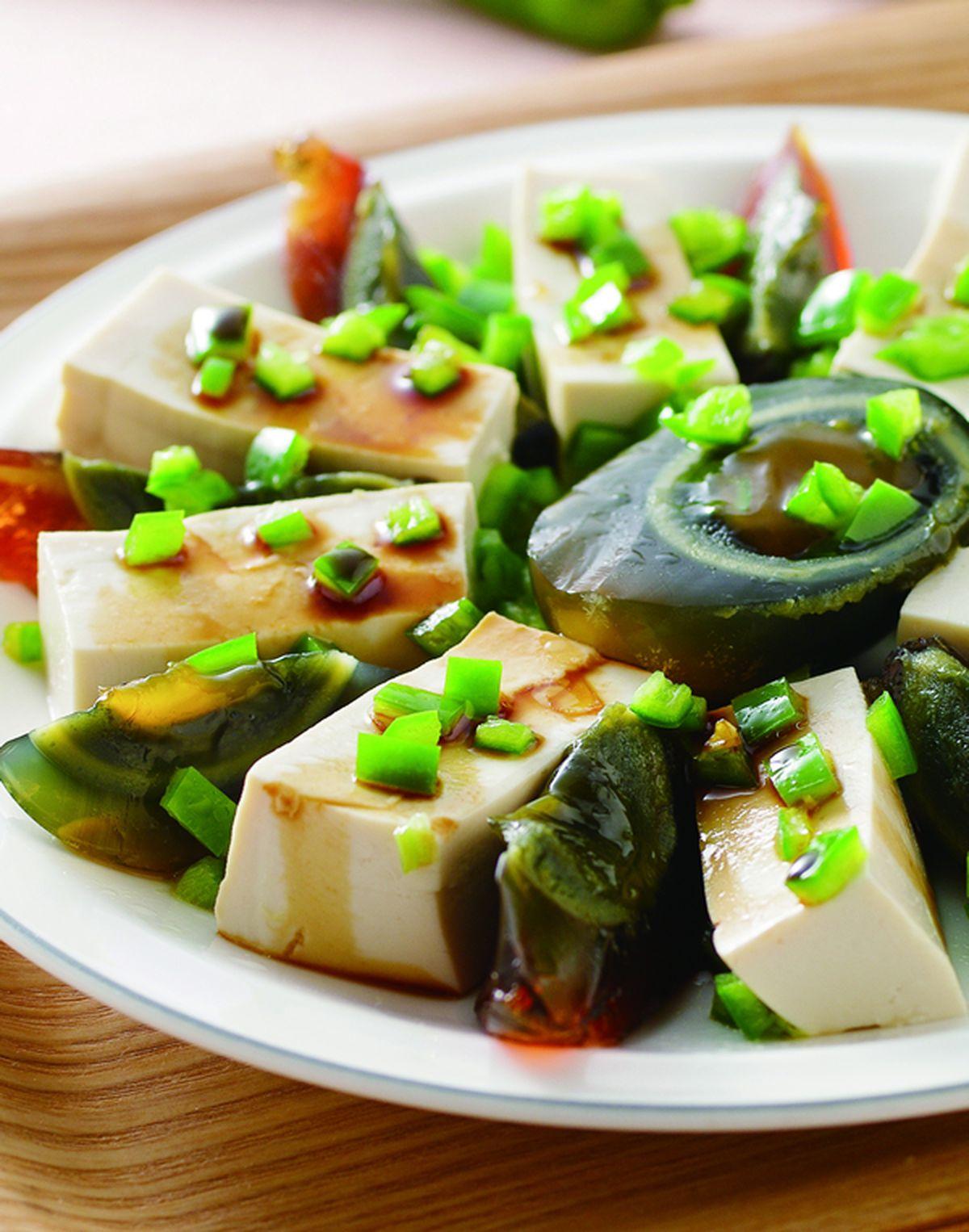 食譜:牛角椒皮蛋豆腐