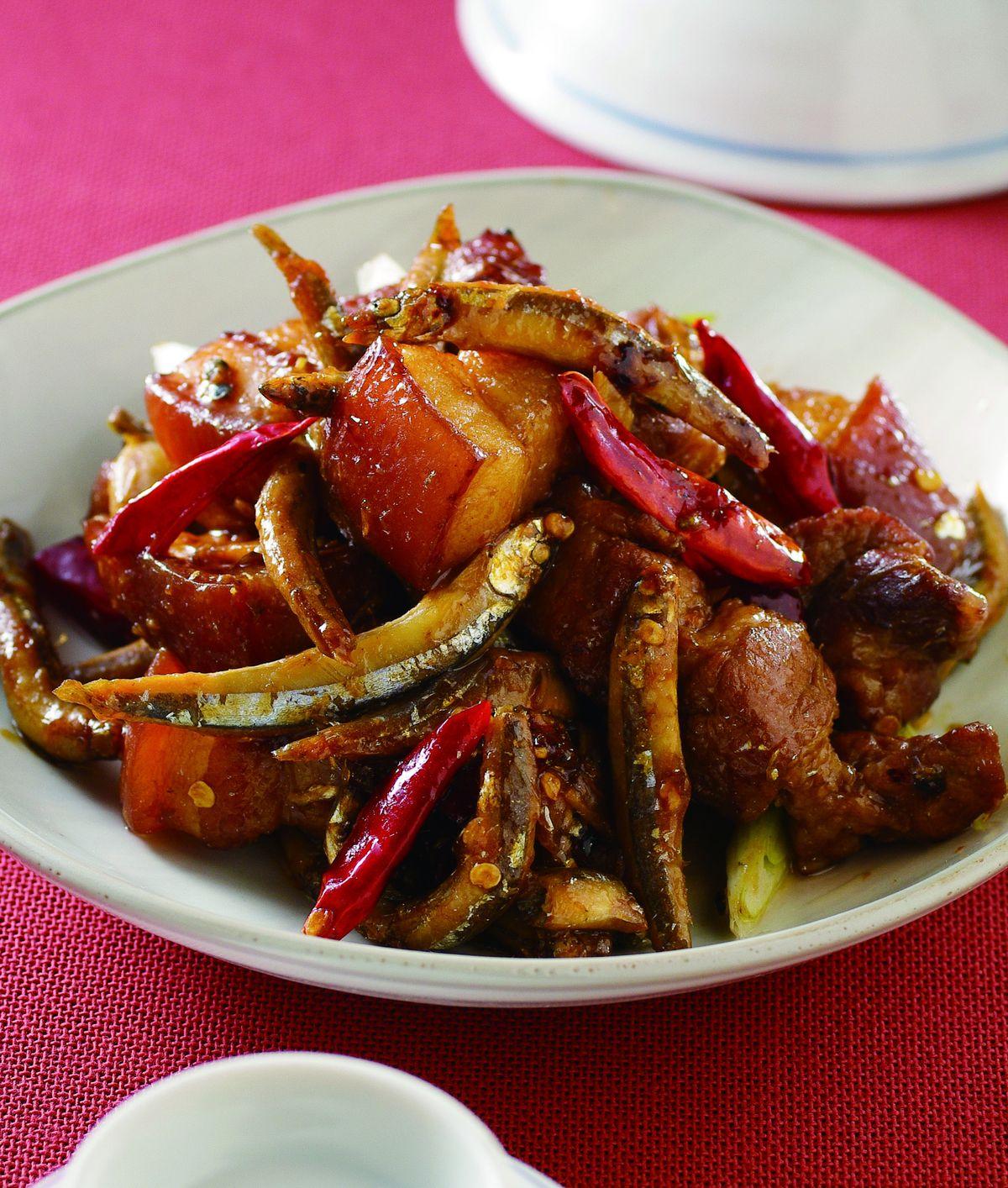 食譜:丁香魚乾燒肉