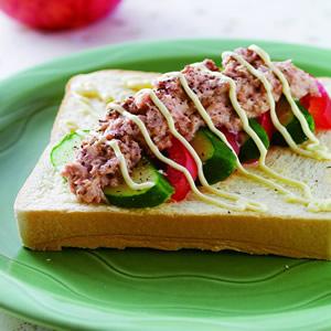 鮪魚醬黃瓜土司