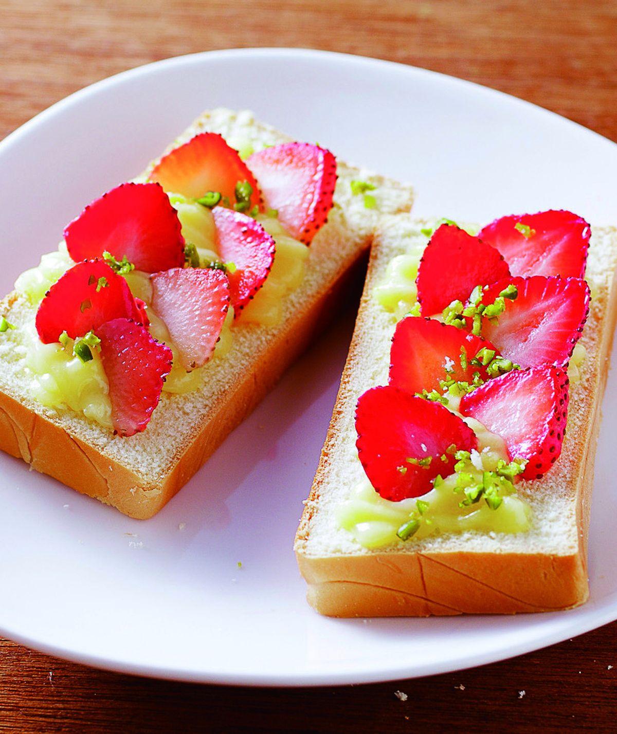 食譜:草莓卡士達土司