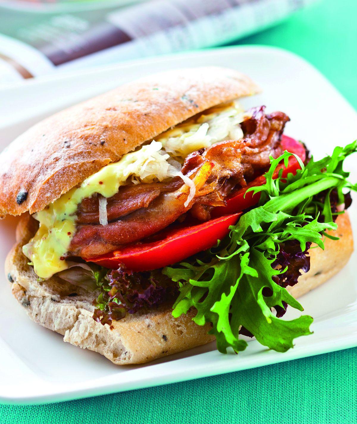 食譜:烤雞腿酸菜三明治