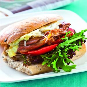 烤雞腿酸菜三明治