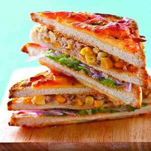 焗烤鮪魚玉米三明治
