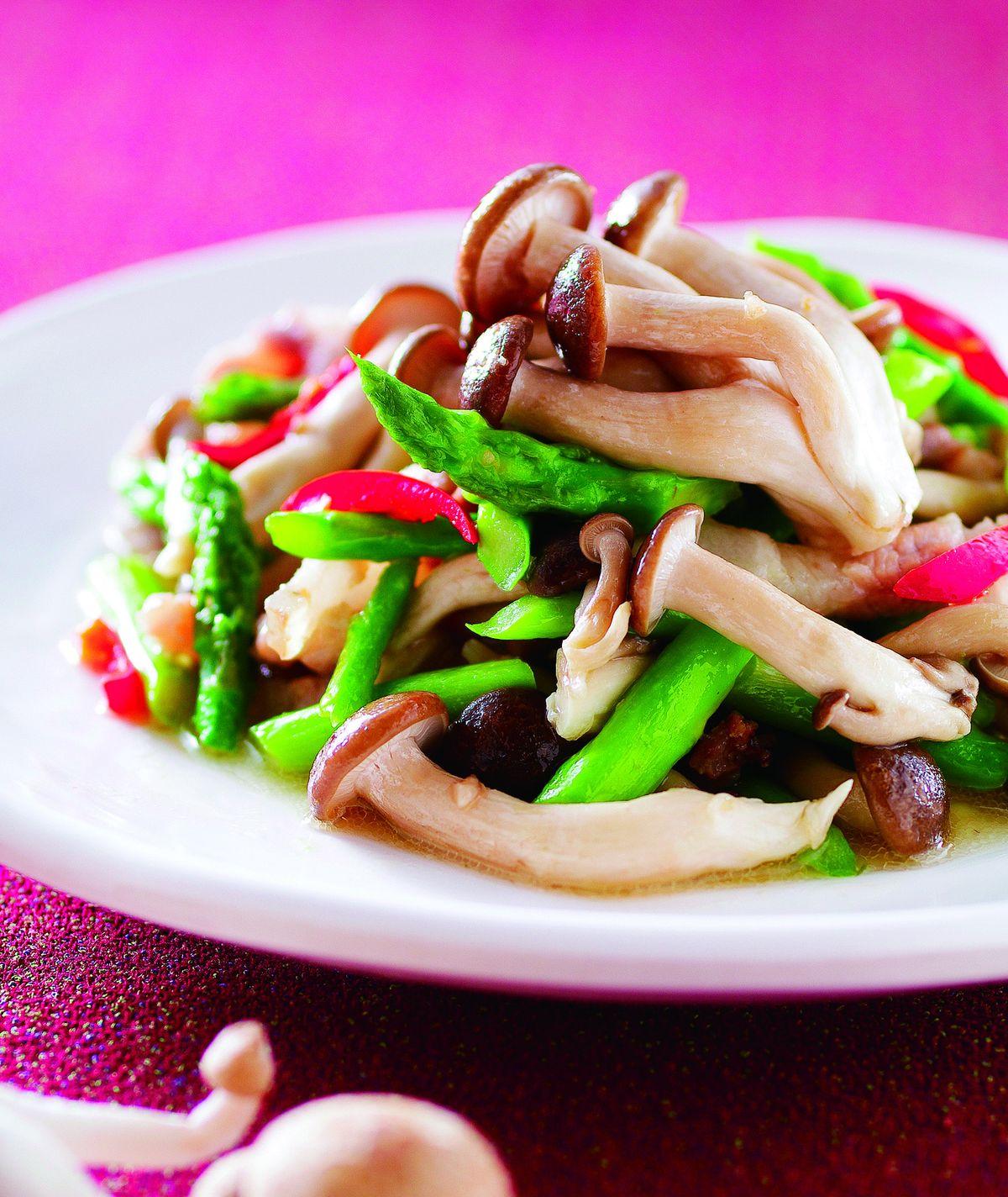 食譜:鴻喜菇炒蘆筍