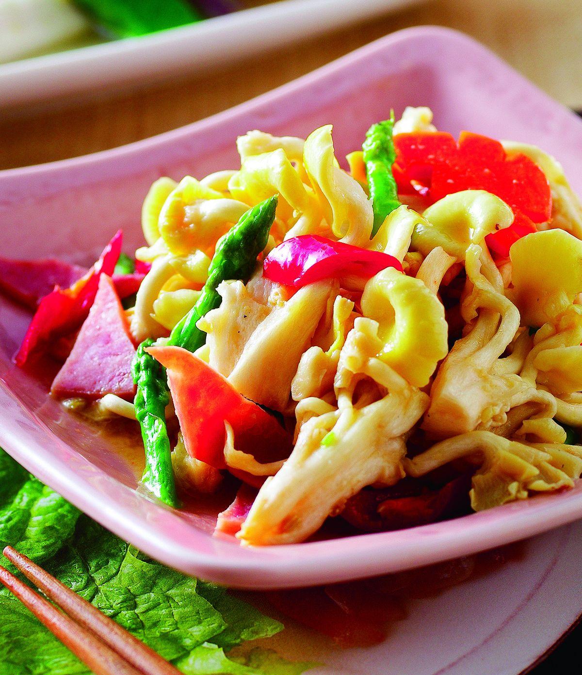 食譜:蘆筍燴珊瑚菇