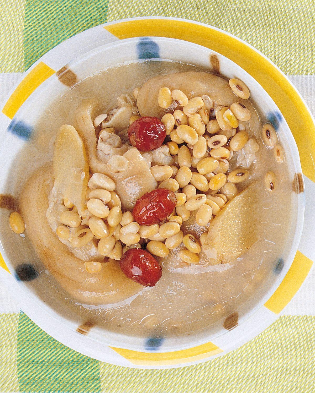 食譜:豬腳黃豆湯