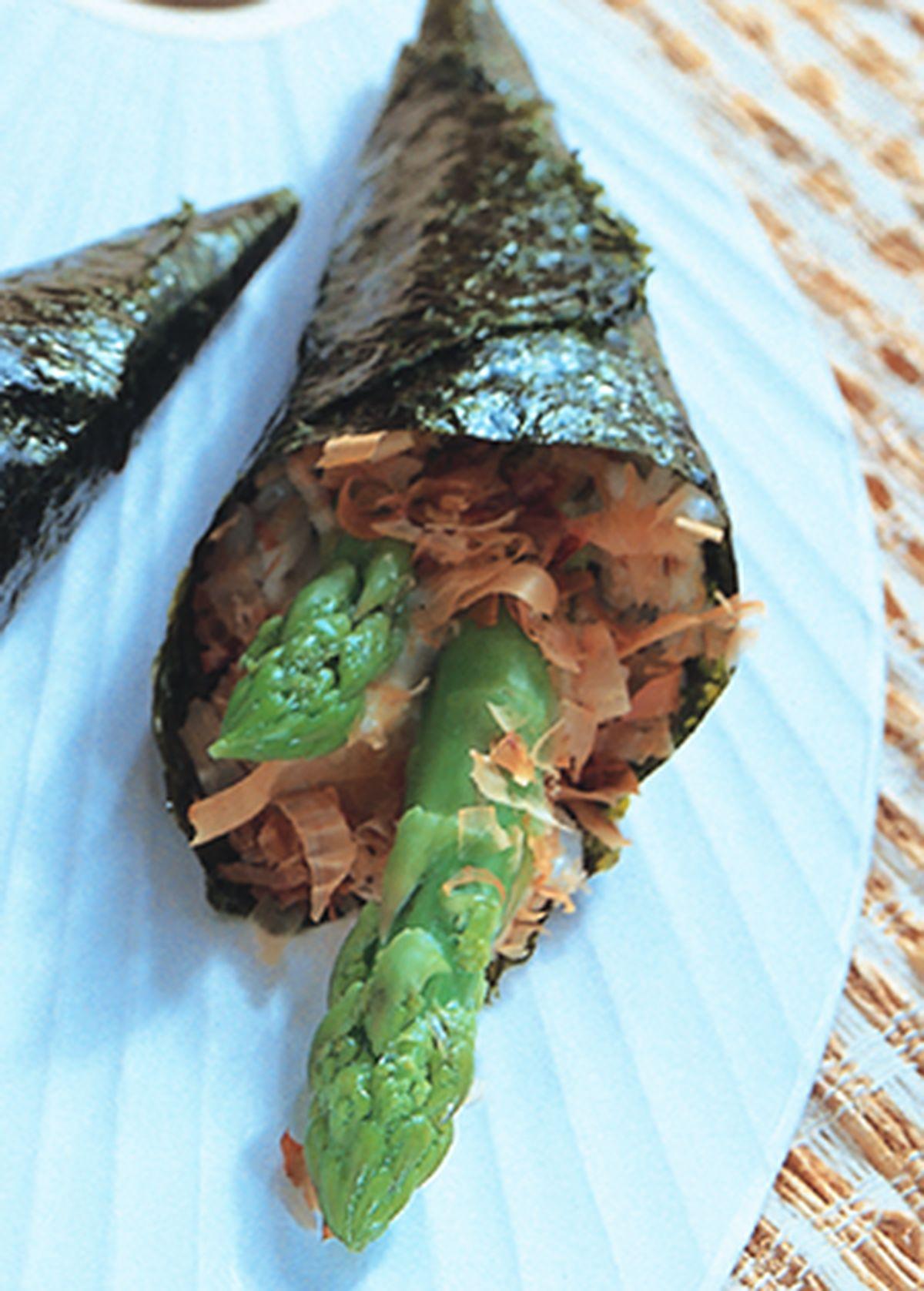 食譜:鮮嫩蘆筍手卷