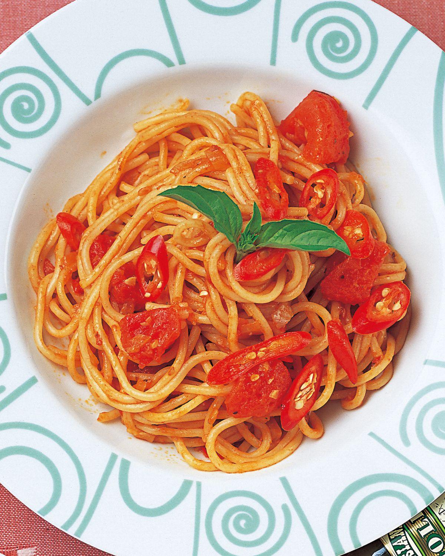 食譜:辣味蕃茄醬義大利麵