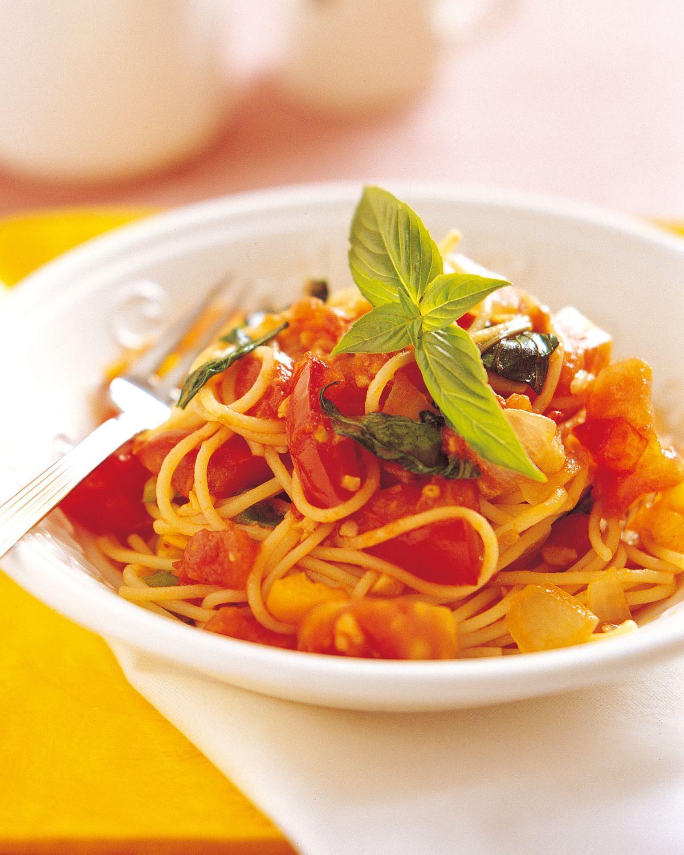食譜:羅勒蕃茄麵