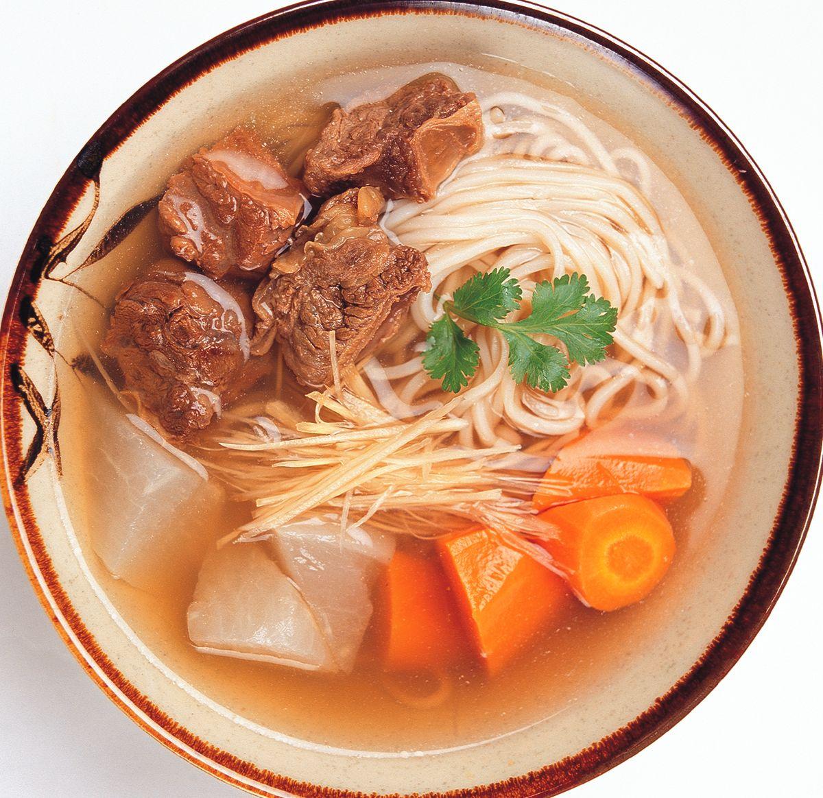 食譜:清燉牛腩麵