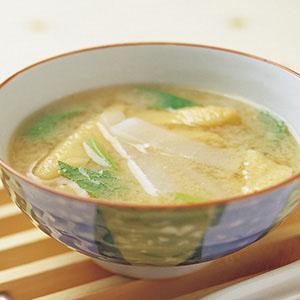 薄揚蘿蔔味噌湯