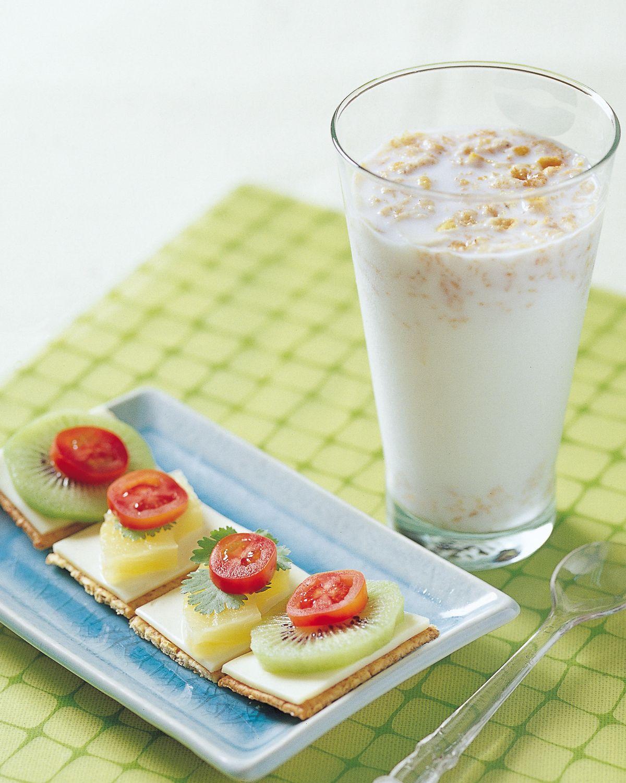 食譜:什錦果麥牛奶