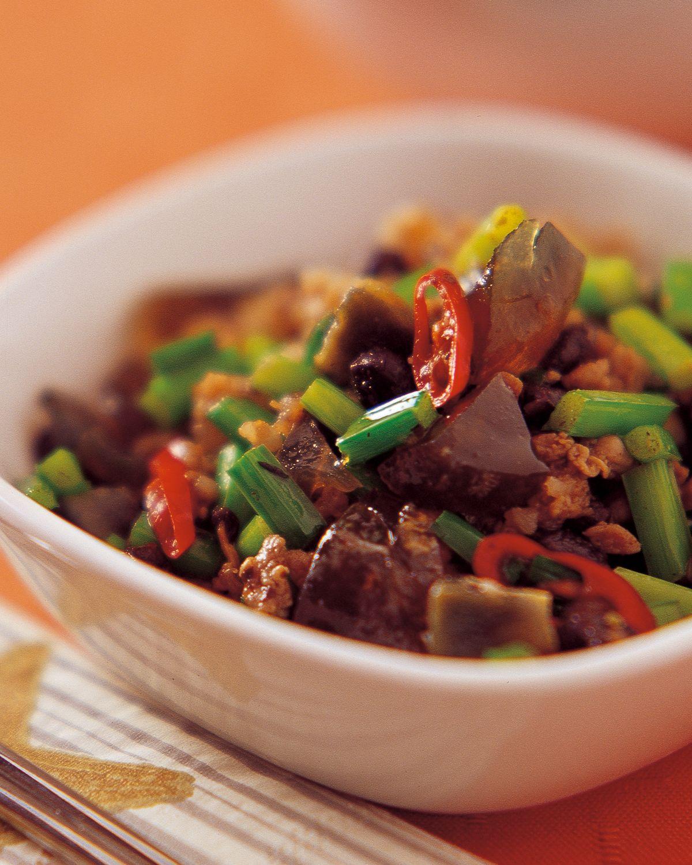 食譜:韭菜炒皮蛋