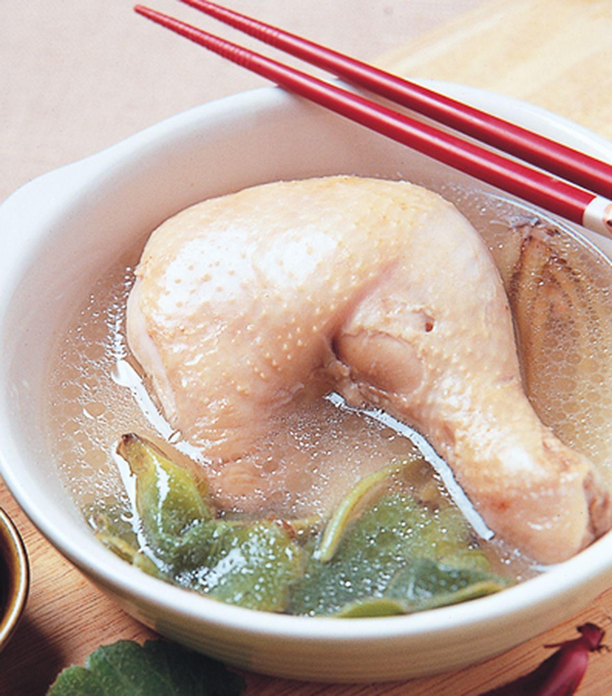 食譜:虎耳草燉雞腿