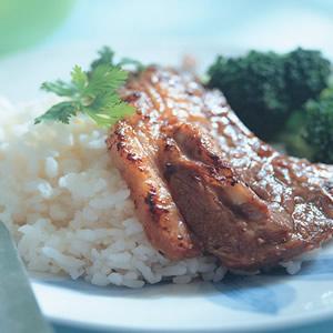 蒜味羊排烤肉飯