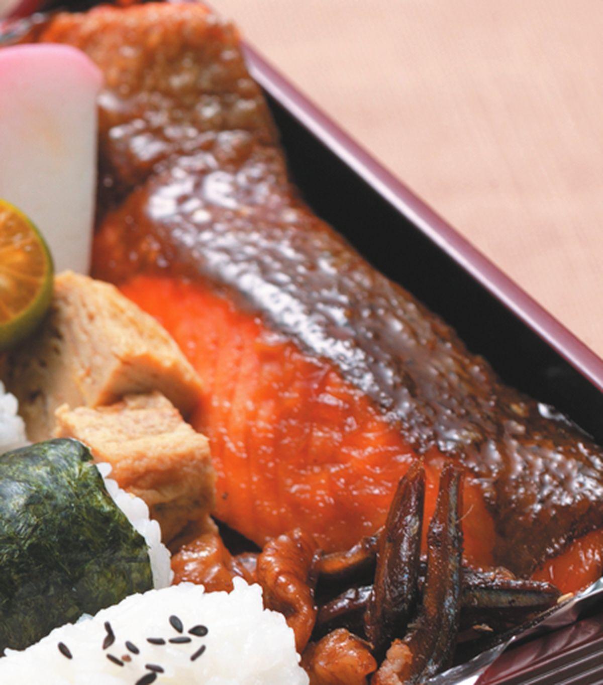 食譜:紅燒鮭魚