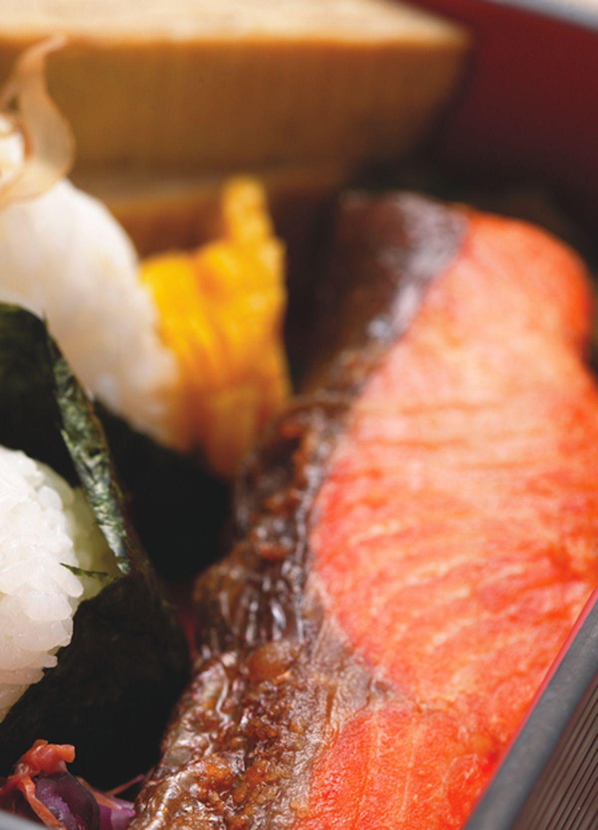食譜:鹽燒鮭魚