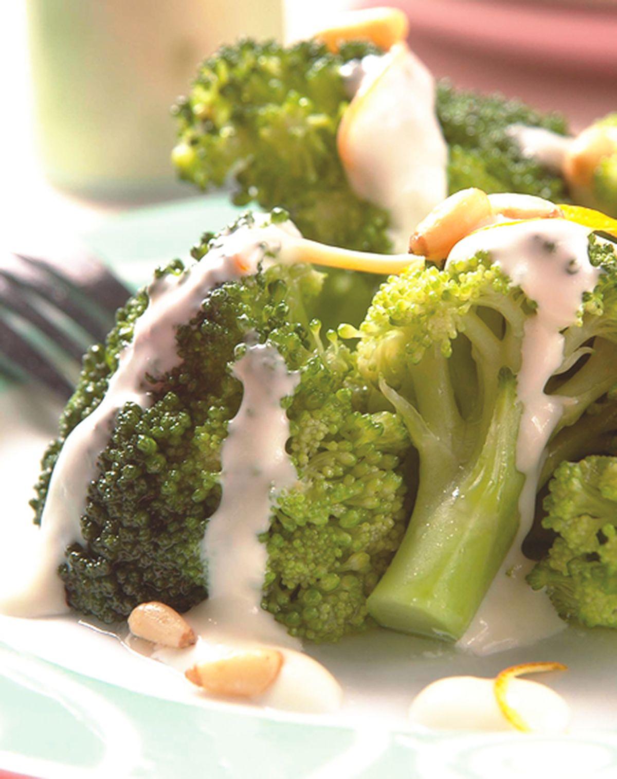 食譜:松子花椰菜沙拉