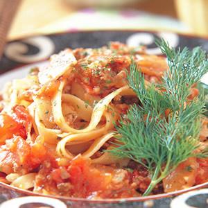 牛肉茄汁寬麵