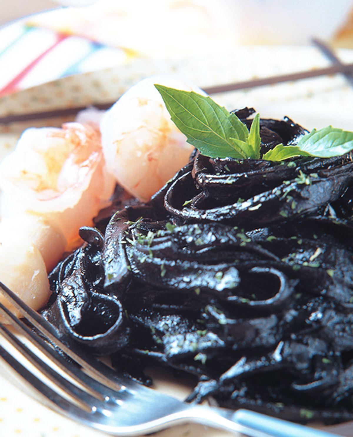 食譜:海鮮墨魚圓麵
