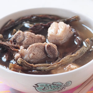 長豆乾燉煮排骨湯