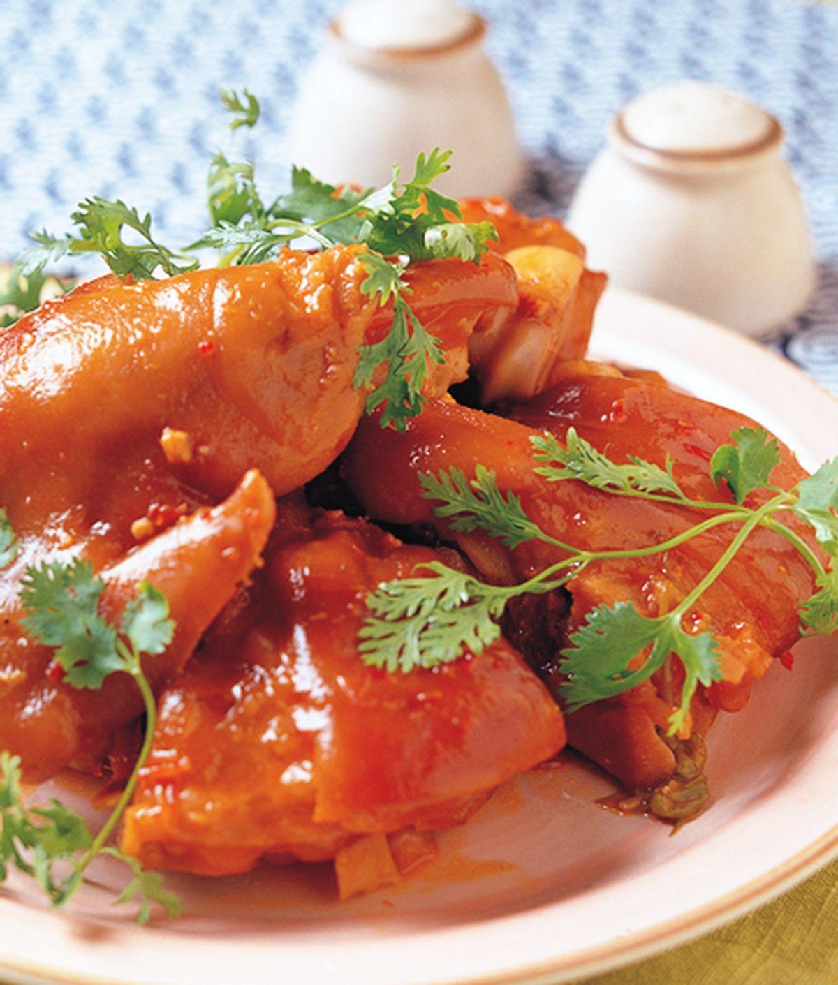 食譜:辣醬燒豬手