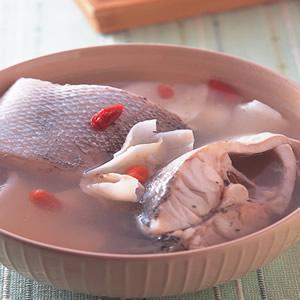 百合淮山鱸魚湯