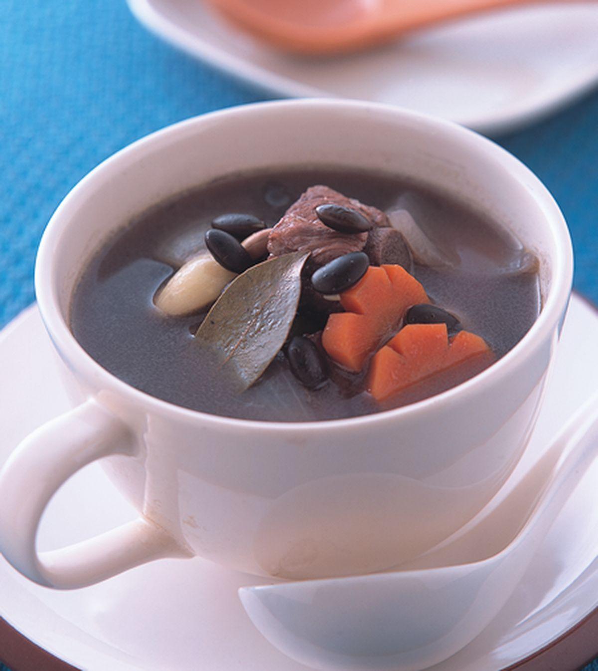 食譜:黑豆煲排湯