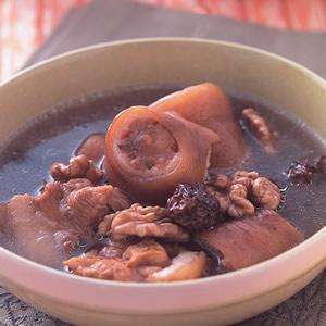 黑棗煲豬尾湯