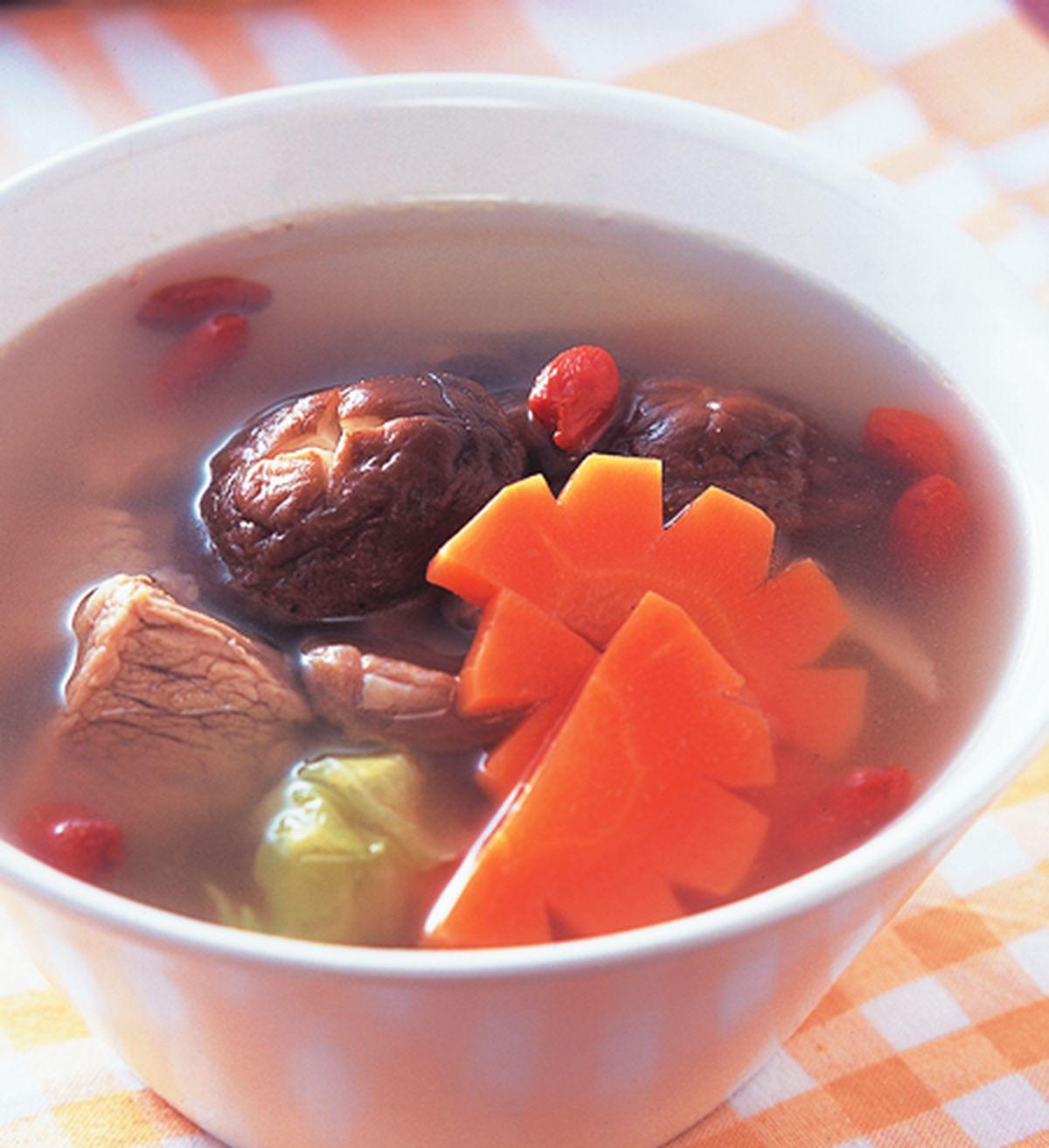 食譜:枸杞瘦肉湯