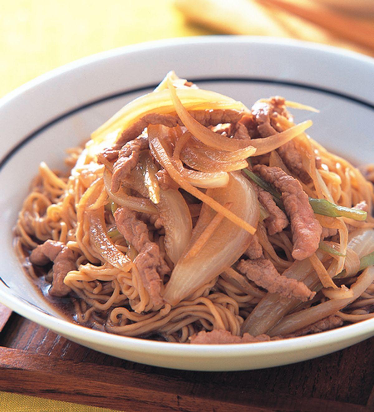 食譜:豉油皇撈麵