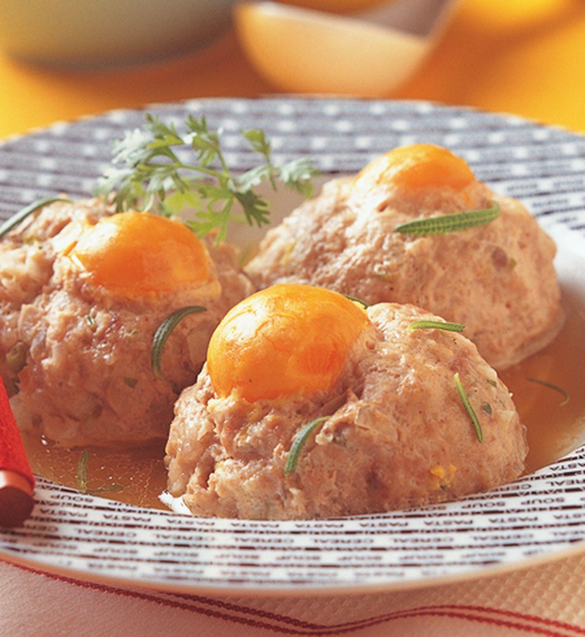 食譜:清蒸鹹蛋黃獅子頭