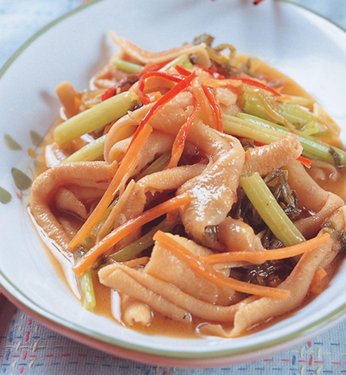 食譜:芹菜炒鴨腸